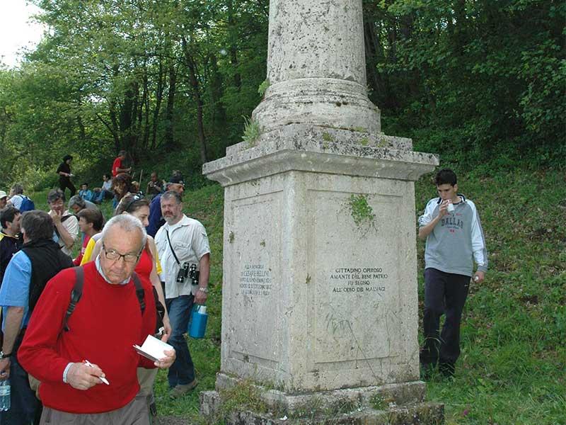 Pianello - Monumento al Carabiniere Bellini ucciso dai Briganti