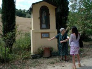 L'edicola religiosa sul Sentiero delle Lavandaie
